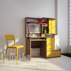 Компьютерный или письменный стол. желтый с полками