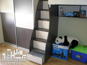Мебель для детской комнаты: двух-ярусная кровать, шкаф