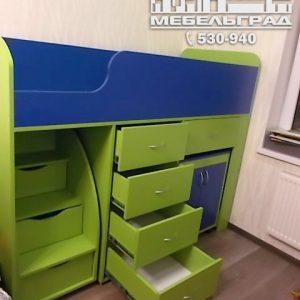 Мебель для детской комнаты: двух-ярусная кровать, стол, шкаф