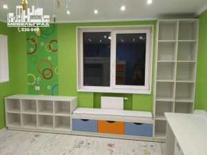 Детская комната стеллажи полки