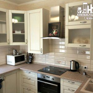 Крупные производители встроенных кухонь в Калининграде Стильная современная кухня с белыми фасадами