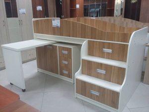 Мебель для детской комнаты: двух-ярусная кровать и шкаф