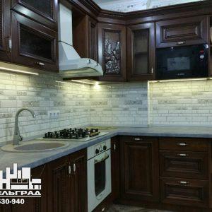 Фабрика кухонь Калининград Классическая кухня с  фасадами из натурального дерева