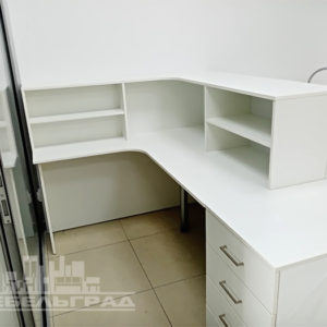 Офисная мебель Калининград. Офисная мебель на заказ в Калининграде рецепция на заказ стойка администратора