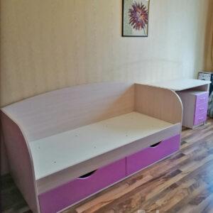 Сиреневая детская мебель Калининград Детская кровать и стол