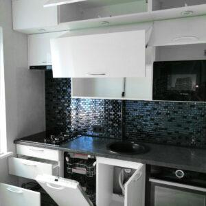 Черно-белые кухни Калининград. Купить кухню в Калининграде.