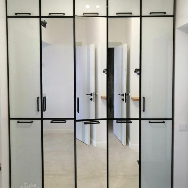 Зеркальный шкаф Калининград