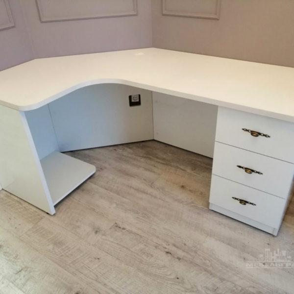 угловой компьютерный стол калининград