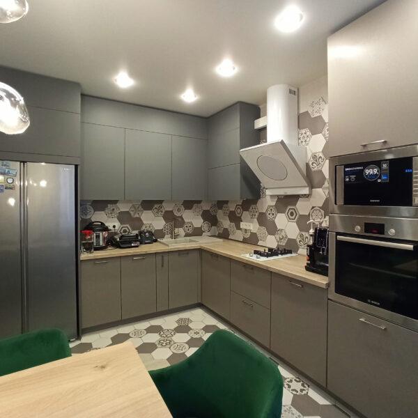Серо-бежевая кухня Кухни Калининград Купить кухню в Калининграде