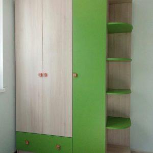 Мебель для детской комнаты: шкаф с открытыми полками