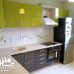 Стильная современная кухня фисташкового цвета
