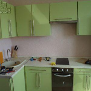 Кухня зеленая фисташковая