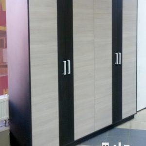 Шкаф четырех створчатый